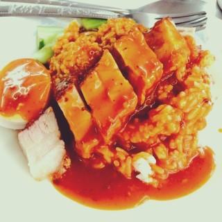 ข้าวหมูกรอบ - ในลาดยาว จากร้านนายจิวข้าวหมูแดง-หมูกรอบ (ข้าวหมูแดงมารวย) (ลาดยาว)|กรุงเทพและปริมลฑล