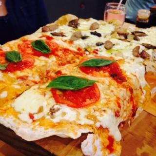 Margherita Pizza -  Diliman / Torch Restaurant (Diliman)|Metro Manila