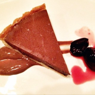 Chocolate and cherry tart  -  dari Trattoria Doppio Zero (上環) di 上環 |Hong Kong