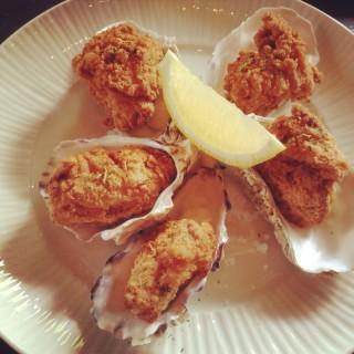 Chicken Oyster -  dari Hyde & Seek Peek-A-Boo (ไฮด์ แอนด์ ซีค) (ปทุมวัน) di ปทุมวัน |Bangkok
