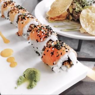 Salmon sushi & Tuna sashimi with avocado -  Kallang / Kilo (Kallang)|Singapore