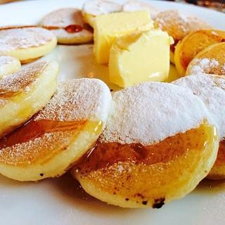 Silver dollar pancakes -  dari Grams Diner (Bel-Air ) di Bel-Air  |Metro Manila