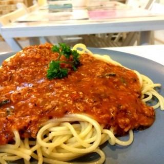 Spaghetti Bolognaise -   / Veggie Cottage (Jalan Besar)|Singapore