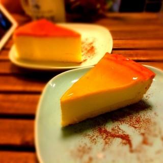 軟硬芝士蛋糕 - ใน葵涌 จากร้านSoulmate Coffee (葵涌)|ฮ่องกง