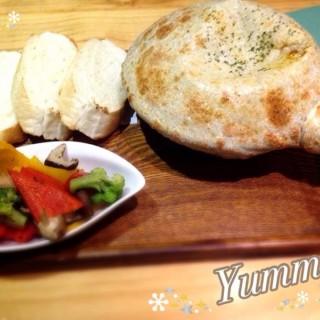 波爾多紅酒燉牛肉烤鍋 -  dari 莫凡彼咖啡館 (西區) di 西區  Taichung