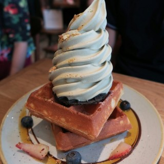 pistacco ice cream with double slice waffles  -  Ghim Moh / Sunday Folks (Ghim Moh)|Singapore