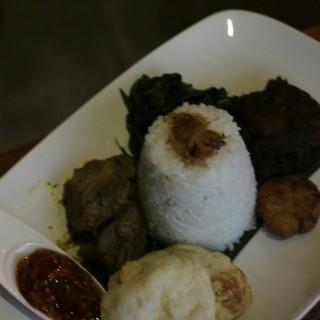 Nasi Padang - 位於的Java Bean Coffe & Resto (Sudirman) | 雅加達