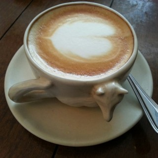 Coffee latte - 位于Dago Pakar (Dago Atas)的Royal Stag Bistro (Dago Pakar (Dago Atas)) | 万隆