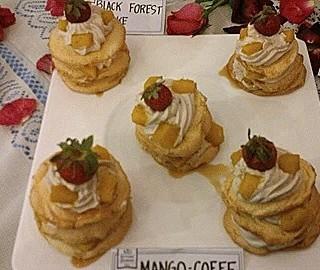 Mango Coffee Pavlova Mini - Kapitolyo's Kitchen Diaries Cafe (Kapitolyo)|Metro Manila