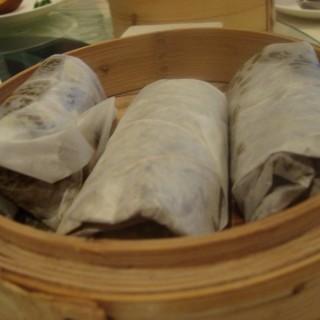 荷葉蒸雞 -  dari Lei Garden (路氹城) di 路氹城 |Macau