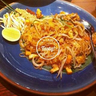 pad thai - ในThamrin จากร้านChandara Thai Fine Dining (Thamrin)|Jakarta