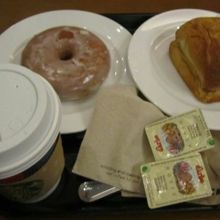 honeyglazed donut and coffee - Pio del Pilar 's Starbucks Coffee (Pio del Pilar )|Metro Manila
