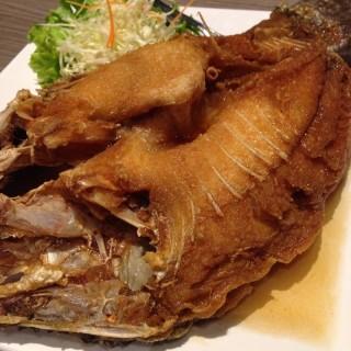 ปลากระพงทอดน้ำปลา - Pathum Wan's Somboon Seafood (Pathum Wan)|Bangkok