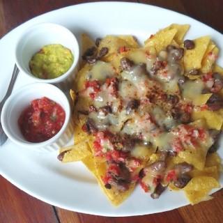 Crispy nachos - ในKemang จากร้านBeer Garden (Kemang)|Jakarta