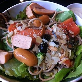 Mix salad -  dari The Salad Concept (สุเทพ) di สุเทพ |Chiang Mai