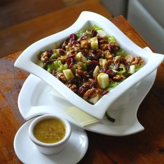 Autumn Chicken Salad -  dari Spanky's Ribs And Martinis (Kemang) di Kemang |Jakarta