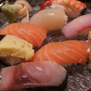 sushi roll beef - Sudirman's Nishimura Restaurant (Sudirman)|Jakarta