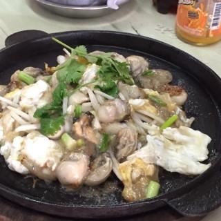 นางรมกะทะร้อน - ในบางค้อ จากร้านเอี้ยวฮินโภชนา (บางค้อ)|กรุงเทพและปริมลฑล