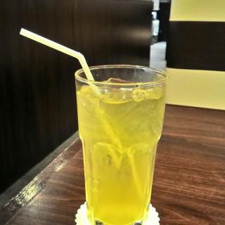 ชาเขียวเย็น - 位于的Sato no Udon (ลุมพินี) | 曼谷