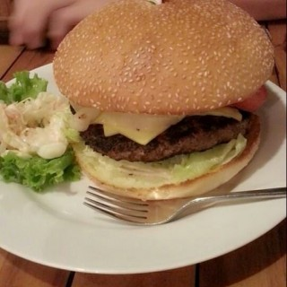 Monster Cheese Burger -  Harmoni / Happy Day Restaurant Keluarga (Harmoni)|Jakarta