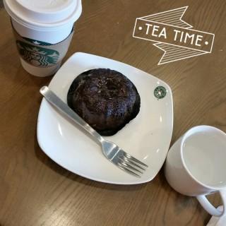 Latte, Molten Chocolate Cake -  Novena / Starbucks (Novena)|Singapore