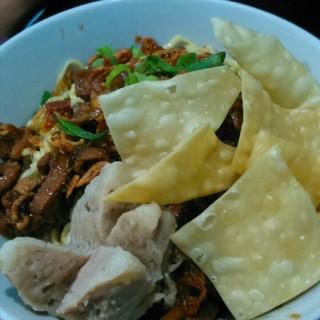mie ayam bakso - ในMeruya จากร้านBakso Pakde (Meruya)|Jakarta