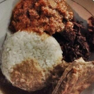 GUDEG (kuliner kota semarang) -  Simpang Lima / Gudeg Sriwijaya (Simpang Lima)|Semarang