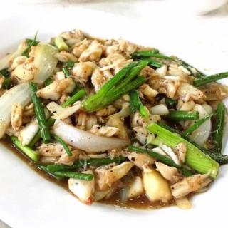 เนื้อปูผัดพริกไทยดำ - ใน จากร้านอบอร่อย (วังทองหลาง)|กรุงเทพและปริมลฑล