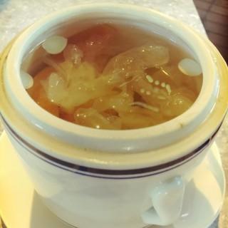 南北杏雪耳燉木瓜 - 位於荃灣的尚糖 (荃灣) | 香港
