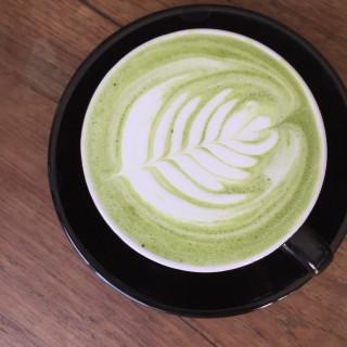 Hot matcha latte - 位於ศรีภูมิ的Graph Cafe (ศรีภูมิ) | 清邁