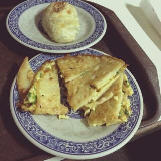 蔥蛋餅 - 位於東區的勝利早點 (東區) | 台南