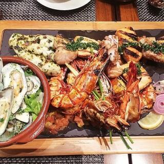 Sea Platter - Parañaque's Waterside Restobar (Parañaque)|Metro Manila