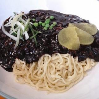 Jjangmyeon - 位於的Jjang Korean Noodle & Grill (Wolter Monginsidi) | 雅加達