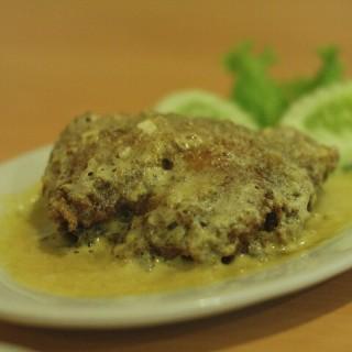 ayam goreng telur asin - 位於Tebet的Ayam Tulang Lunak Hayam Wuruk (Tebet) | 雅加達