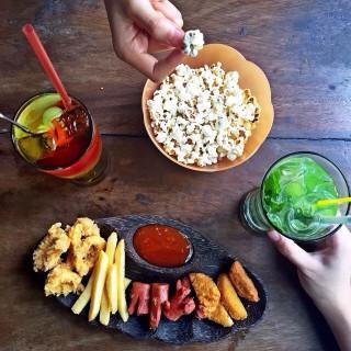 Snack Platter - Kebon Sirih's Melly's Garden Bar & Resto (Kebon Sirih)|Jakarta