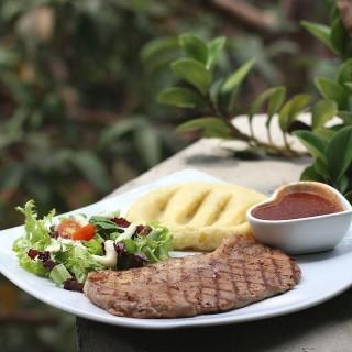 Sirloin Steak -  dari Alberto's Resto & Cafe (Bandung Tengah) di Bandung Tengah |Bandung