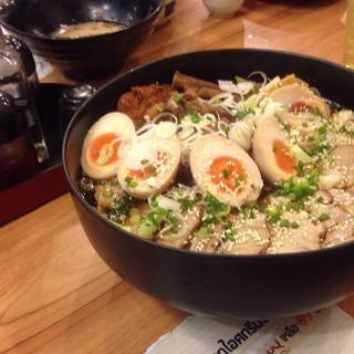 ราเมนชามยักษ์ - Nong Bon's Natsu Ramen & Curry (Nong Bon)|Bangkok