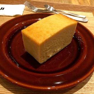 本和香糖起士蛋糕 - 位於信義區的Café & Meal MUJI 統一時代店 (信義區) | 台北