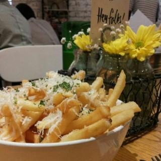 Truffle Fries - 位於Thamrin的Nomz Kitchen and Pastry (Thamrin) | 雅加達