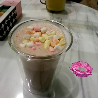 Hot Chocolate With Marshmellow -  Orchard / Mon Bijou (Orchard)|Singapore