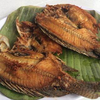 Fried Tilapia - 位於Zambales的Dayrit's (Zambales) | 其他省份