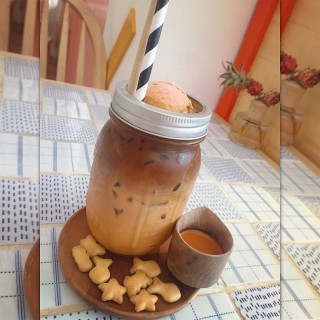 Iced Nahim Coffee - Pom Prap's Nahim Cafe (นะฮิม คาเฟ่) (Pom Prap)|Bangkok