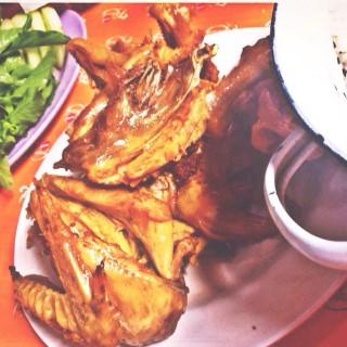Ayam Goreng Utuh - Bantul's Ayam Goreng Mbah Cemplung (Bantul)|Yogyakarta