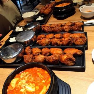 Khlongtan Nuea's BonChon Chicken (บอนชอน ชิคเก้น) (Khlongtan Nuea)|Bangkok