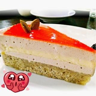 berries walnut cake  -  Klang / Jack & Co. (Klang)|Klang Valley