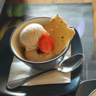 french vanilla ice cream - Central Semarang's The Harvest (Central Semarang)|Semarang