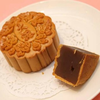 Sakura Chrysanthemum Mooncake - Bukit Bintang's Grand Harbour Restaurant (Bukit Bintang)|Klang Valley