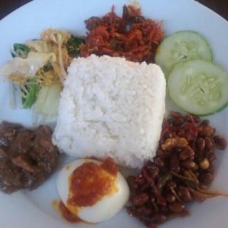 nasi empal krawu - 位于Pekunden的Rumah Makan Nusantara (Pekunden) | 三宝珑