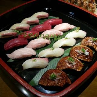 Otoro, Shimaaji, Akami, Kanpach, Foie gras - 位于คลองตัน的Sankyodai (คลองตัน) | 曼谷