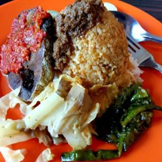 nasi padang dengan tongkol balado -  dari RM. Lintau (Jakarta Timur) di Jakarta Timur |Jakarta